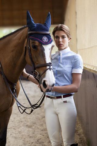 Beside Sport - Les marques de luxe et l'équitation: un duo qui va au triple galop - Charlotte Casiraghi joue au mannequin pour Gucci -
