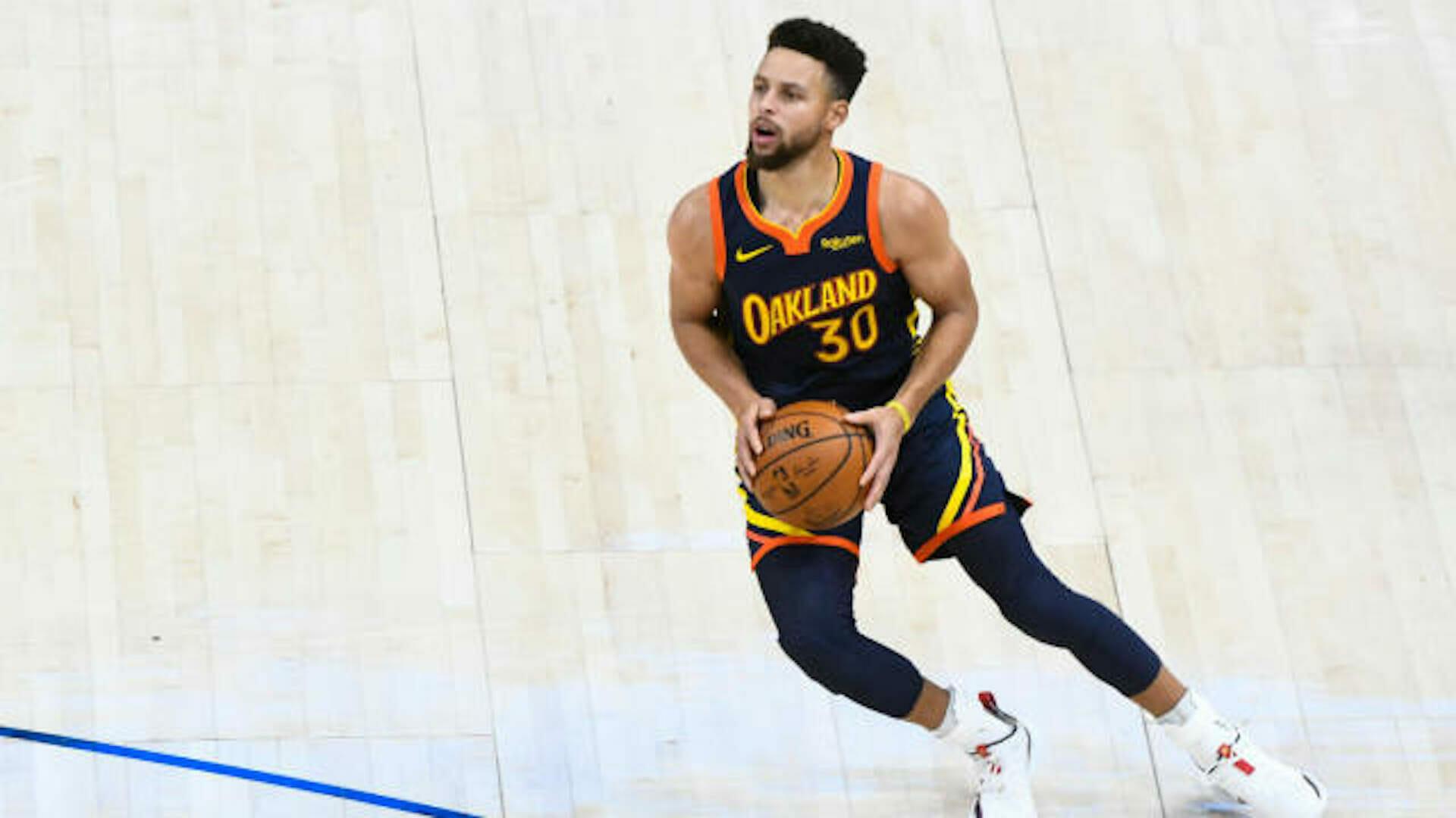Beside Sport - Quels sont les 10 meilleurs marqueurs à 3 points de l'histoire de la NBA? -