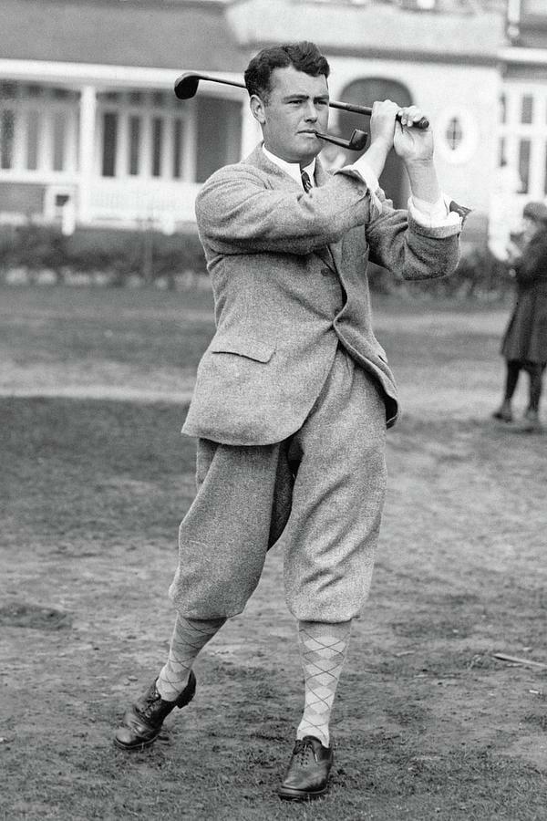 Beside Sport - Cyril Tolley, seul amateur vainqueur de l'Open de France - Cyril Tolley en plein swing -