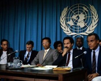 Beside Sport - Retour sur un monstre du sport: Arthur Ashe alias «Aces» - Ashe prononce un discours devant l'Assemblée générale des Nations Unies -
