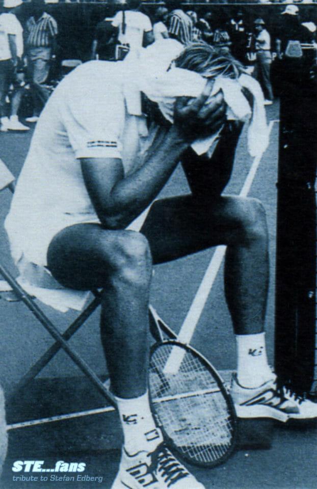 Beside Sport - Quand Edberg a tué un juge de ligne à l'US Open - Edberg traumatisé, sous sa serviette, après ce moment tragique -