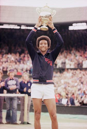 Beside Sport - Retour sur un monstre du sport: Arthur Ashe alias «Aces» - Arthur Ashe remporte Wimbledon en 1975 -