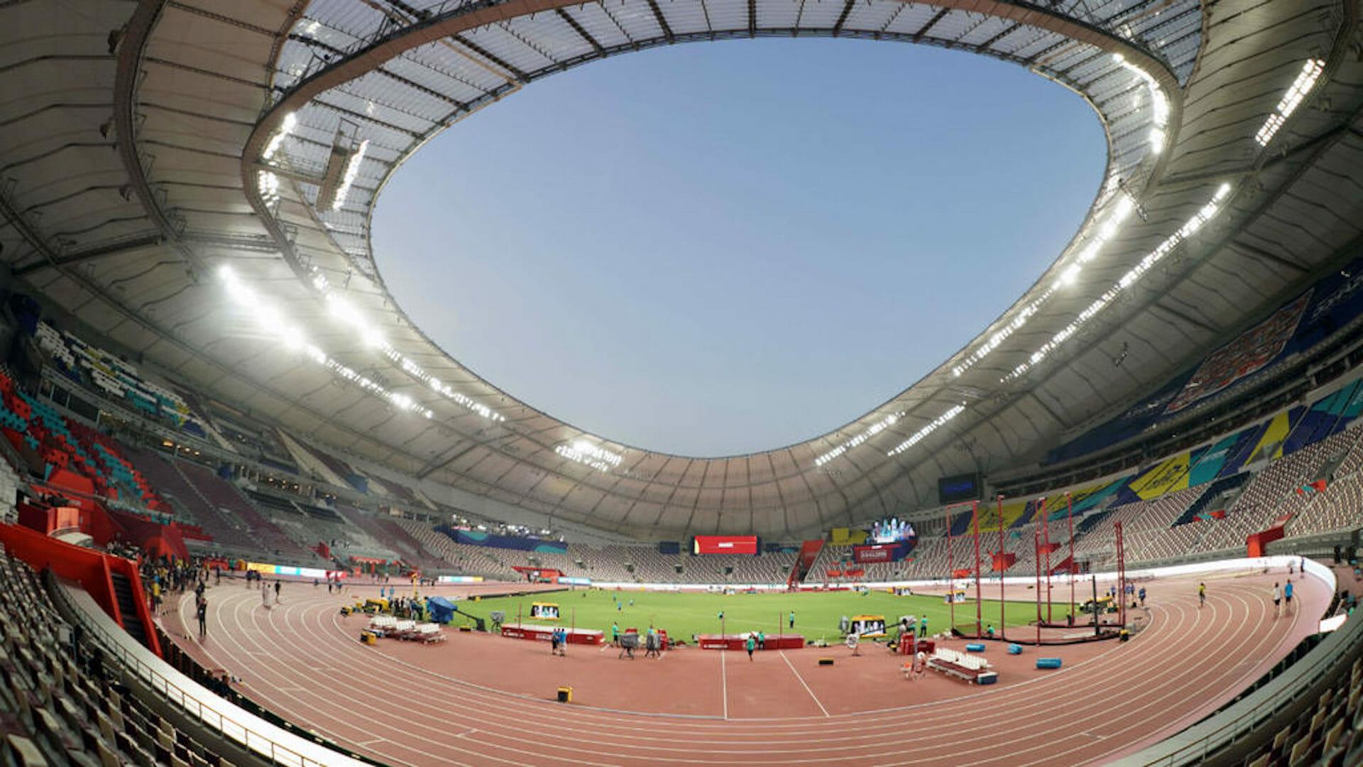 Pourquoi les pistes d'athlétisme sont-elles rouges?