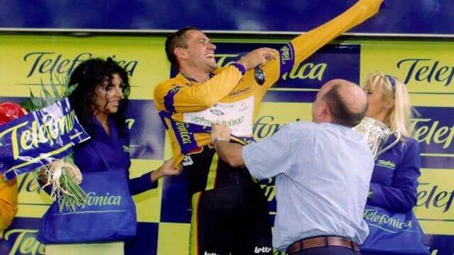 Beside Sport - Le maillot de leader de la Vuelta n'a pas toujours été rouge -