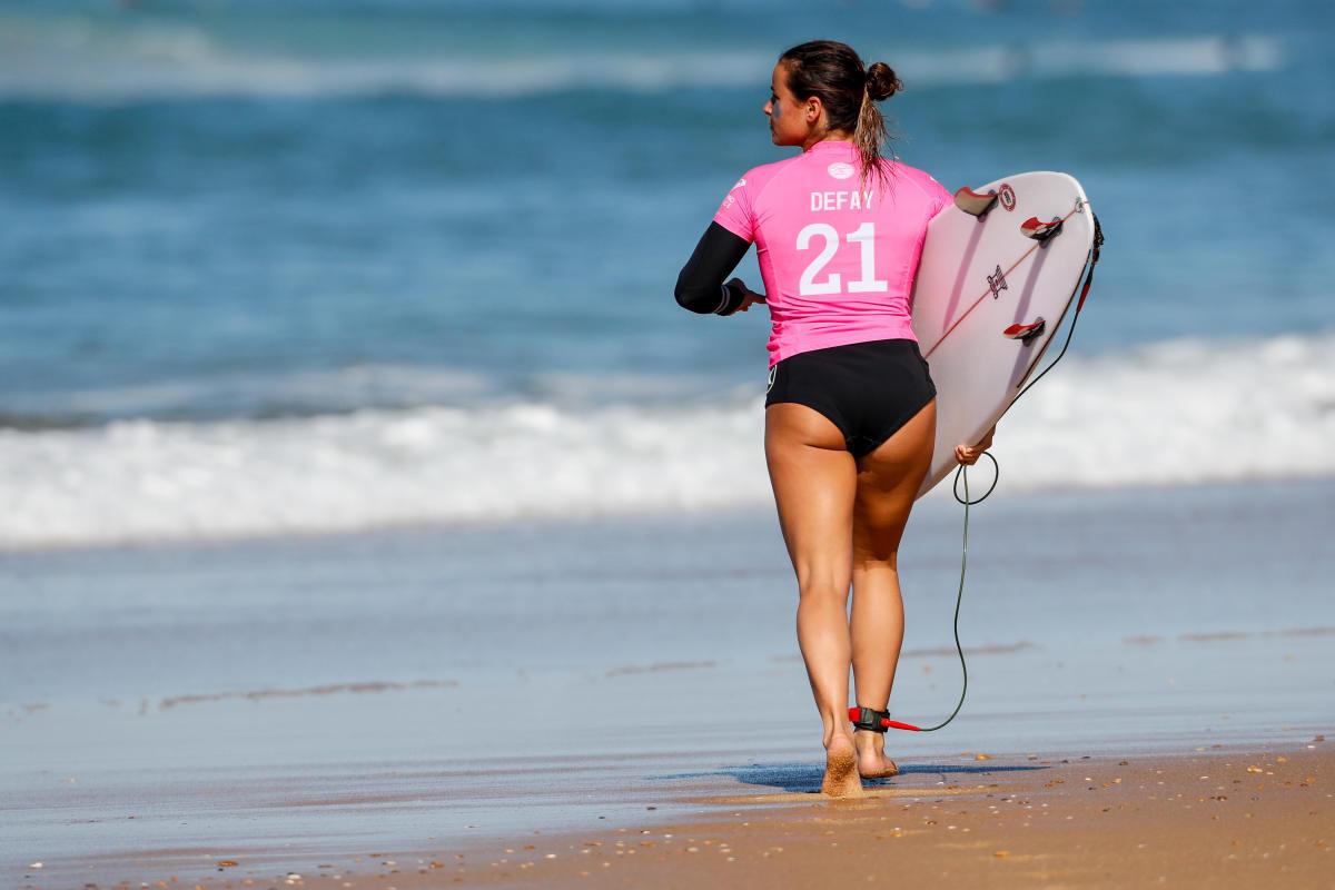 Beside Sport - Le Lifestyle d'une surfeuse pro par Johanne Defay -  -