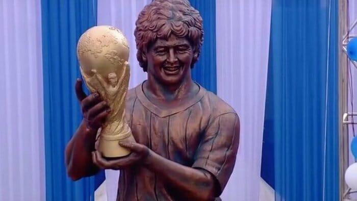 Beside Sport - Ces statues de footballeurs complètement ratées -  -