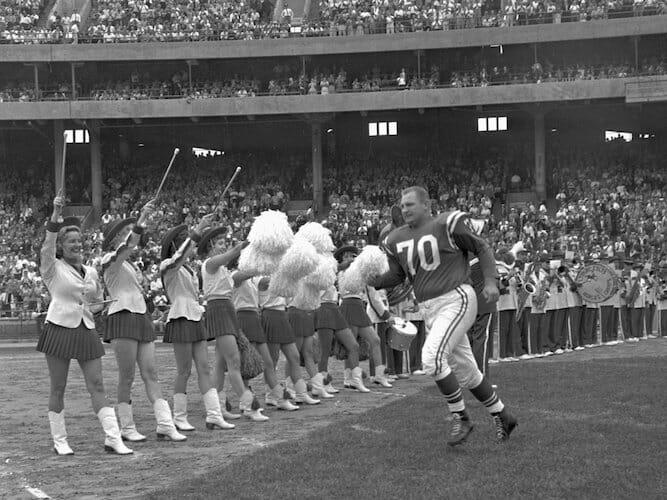 Beside Sport - Comment a évolué le look des cheerleaders depuis 50 ans? -  -