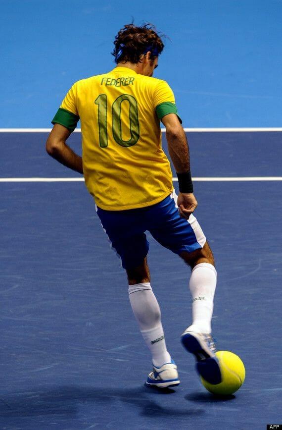 Beside Sport - Peut-on jouer au tennis avec un maillot de football? -  -