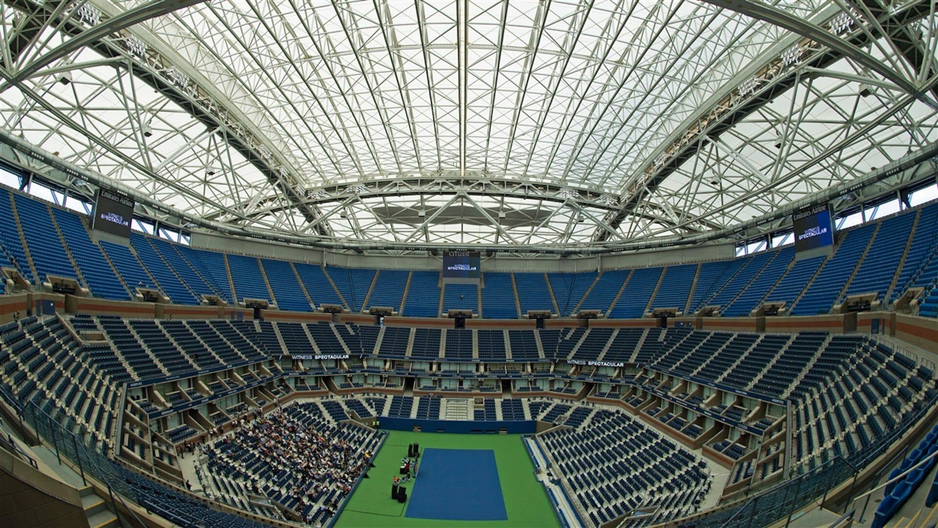 Quels sont les stades de tennis qui possèdent un toit rétractable?