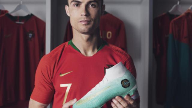 Beside Sport - Quelles sont les chaussures de football les plus chères de tous les temps? -