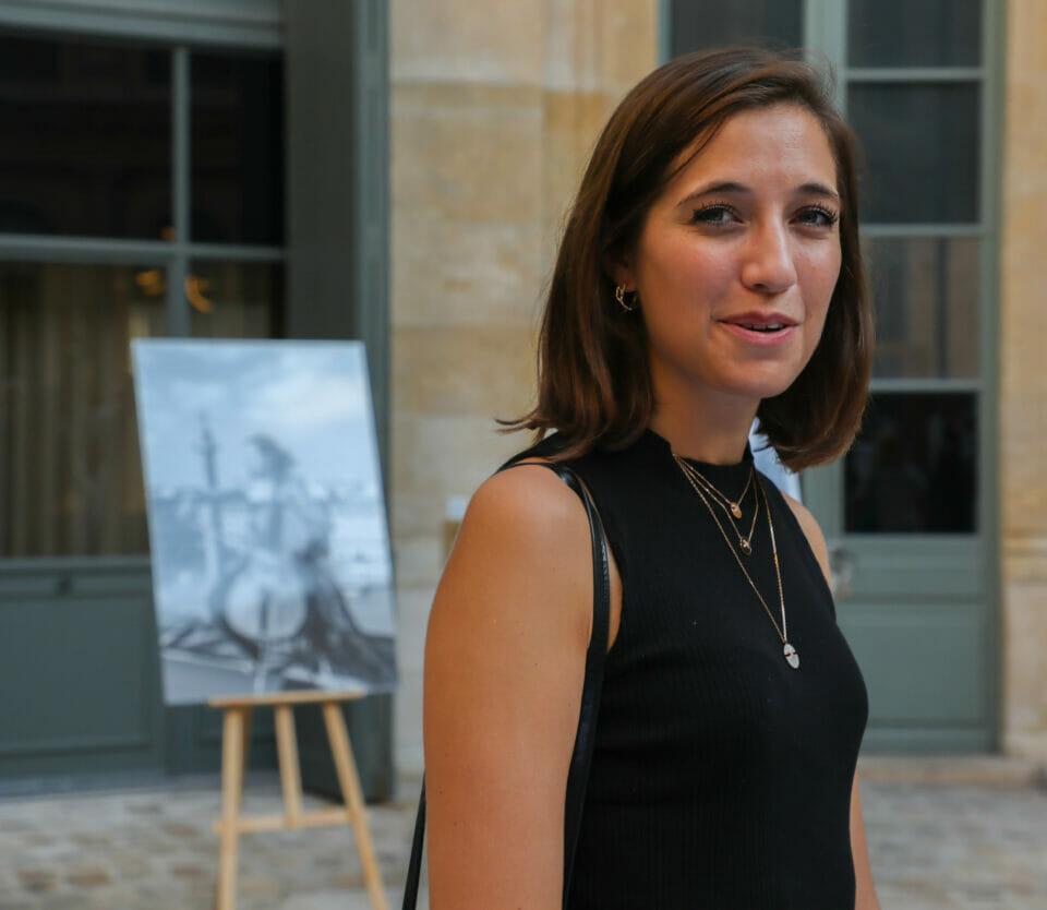 Beside Sport - La Colonne Vendôme prise sous tous les angles - La violoncelliste Camille Thomas -